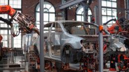 robots assembly line